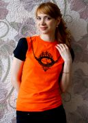 Женская футболка с рукавом-фонарик.