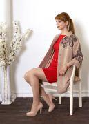 Пальто очень практичное во всех смыслах – оно легко видоизменяет стиль, подходит под любой возраст и назначение.